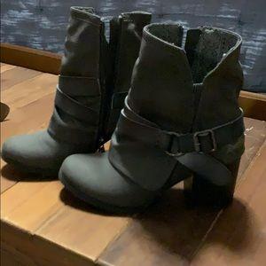 Woman's Blowfish size 6.5 gray boots